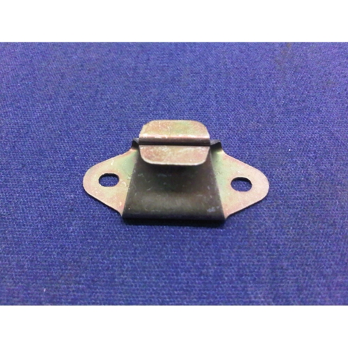 thumbscrews receiver plate headlight cover / fusebox (fiat bertone x1/9  all) - nos/renewed