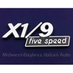 "Badge Emblem ""X1/9 Five Speed"" (Fiat X1/9 1979) - U8.5"